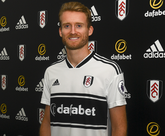 Fulham have signed German World Cup-winning forward Andre Schurrle on loan from Borussia Dortmund.